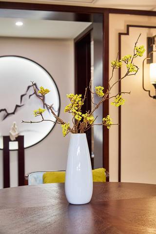 中式三居装修装饰花瓶图片