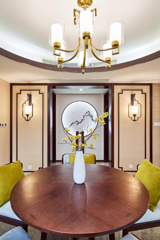 中式三居装修餐桌图片