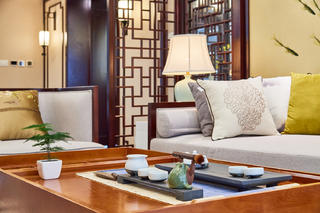 中式三居装修客厅局部图