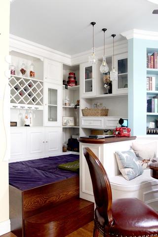 美式风格二居装修休闲地台设计