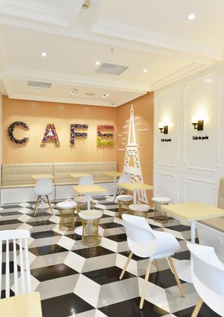 80平小清新咖啡厅装修卡座区