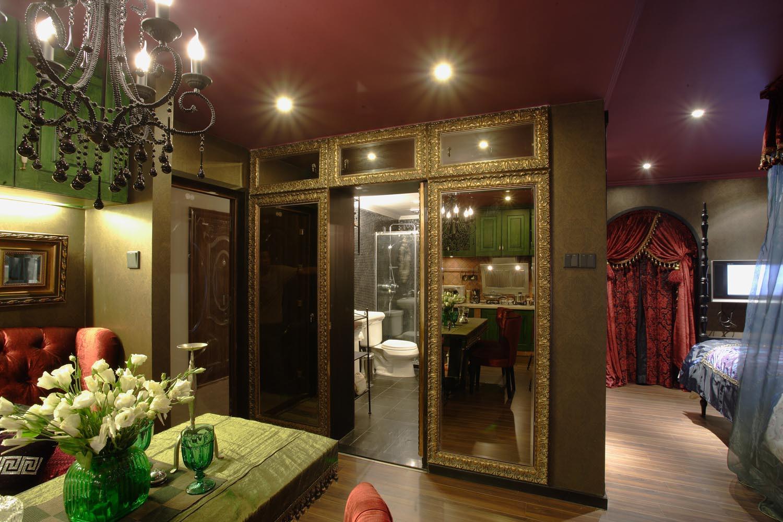 混搭一居装修玻璃镜门设计