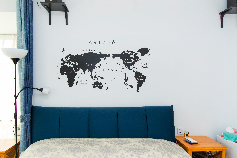 76平现代美式家床头背景墙设计