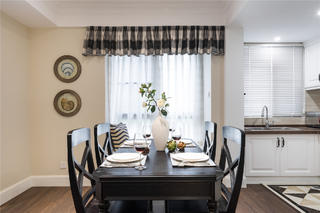 90平美式二居装修餐厅设计图