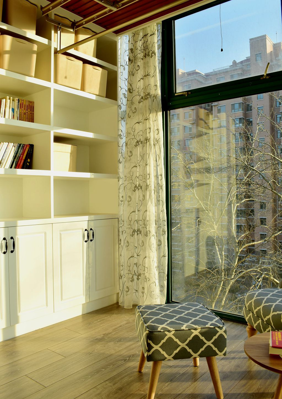 美式风格二居装修阳台书架图片