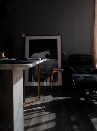混搭办公室装修书桌图片