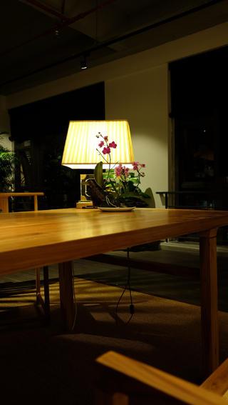 中式风办公室设计书桌图片