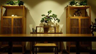 中式风办公室设计书桌背景墙图片