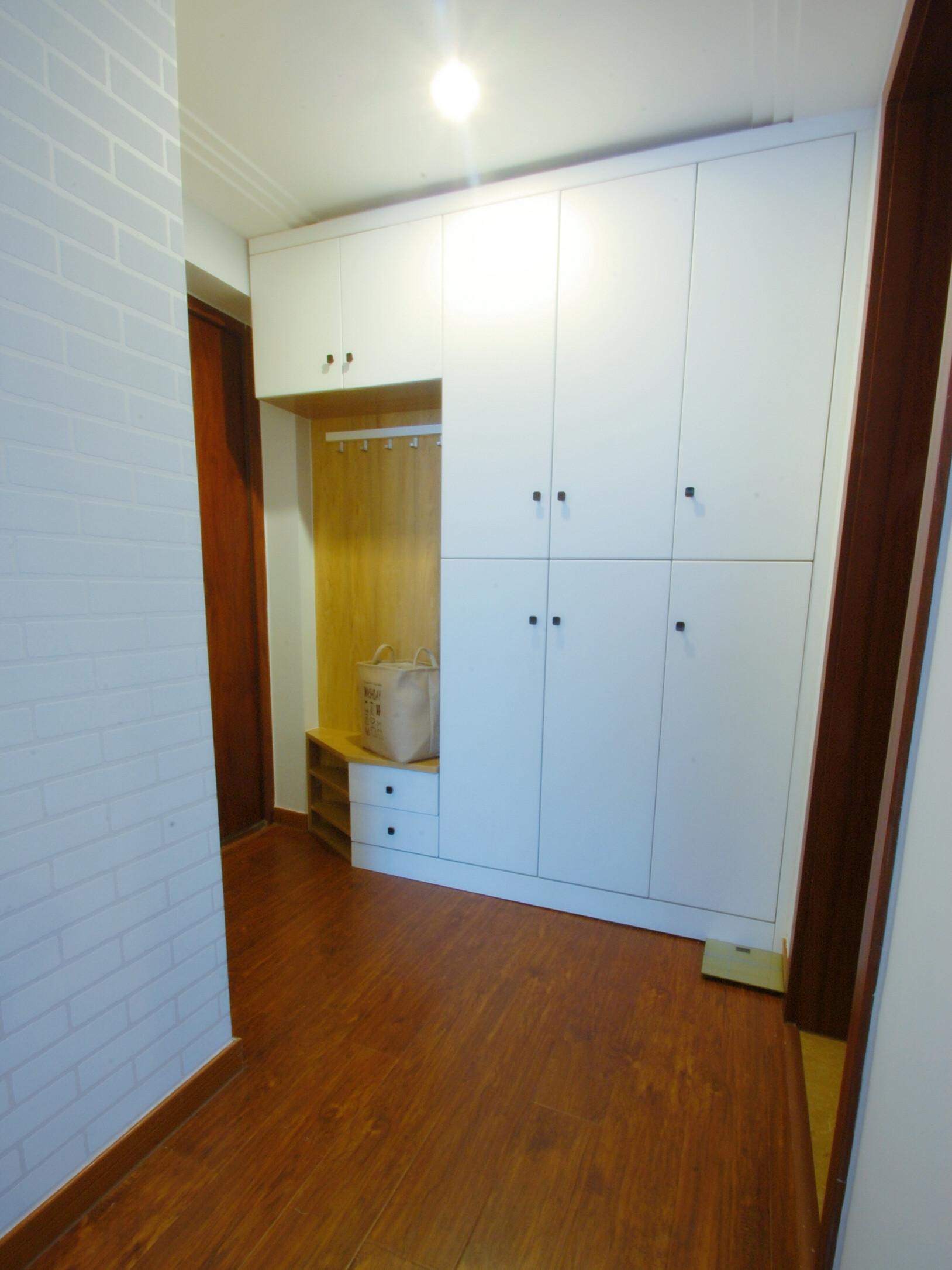 北欧二居室装修鞋柜设计