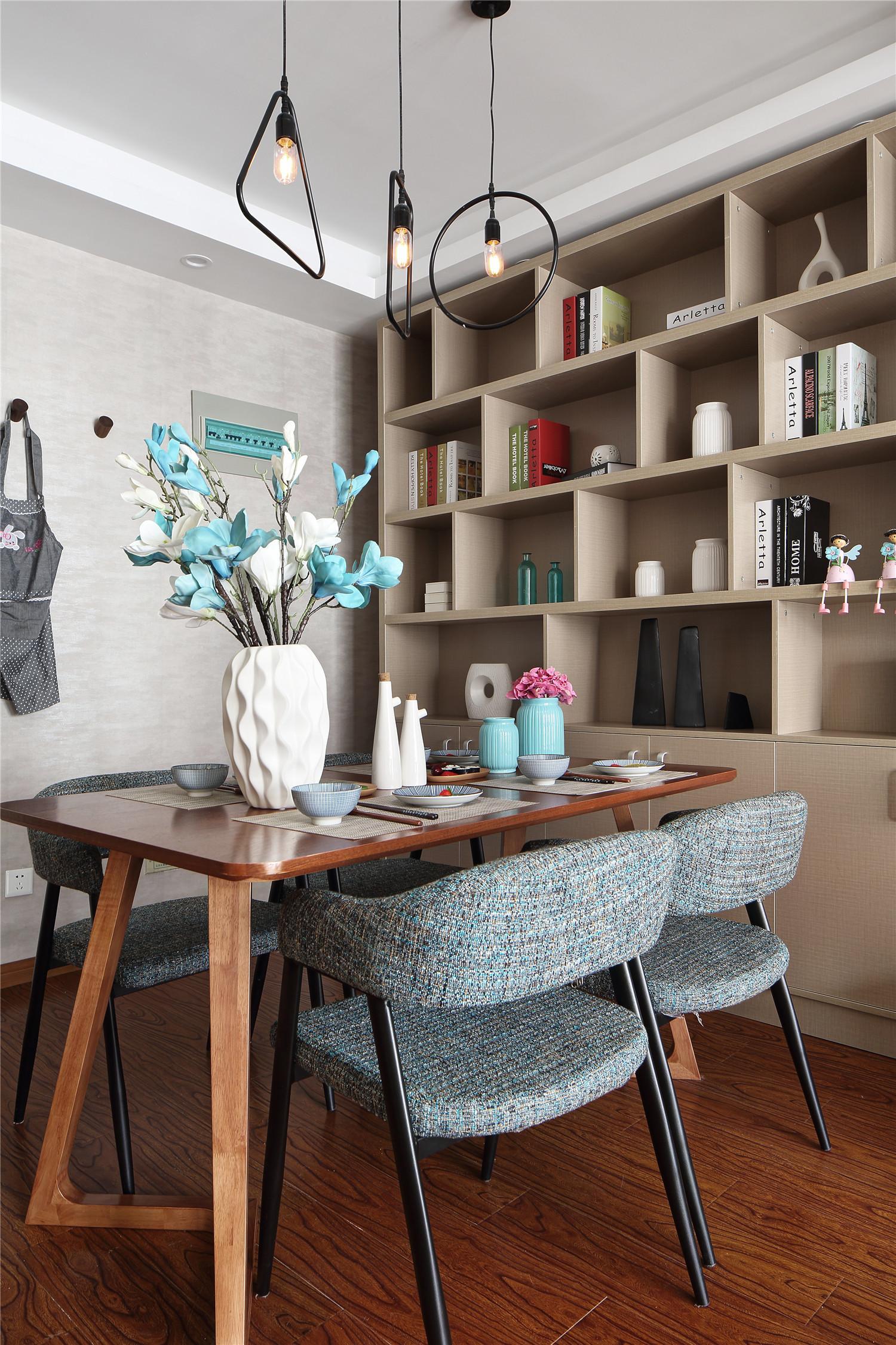 90平现代简约二居装修餐厅效果图