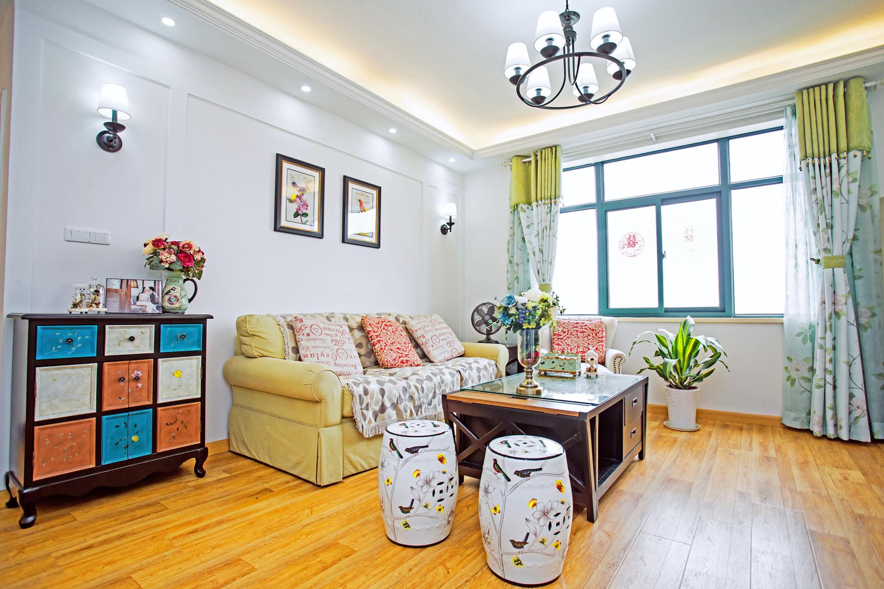 110平简约美式家客厅设计图