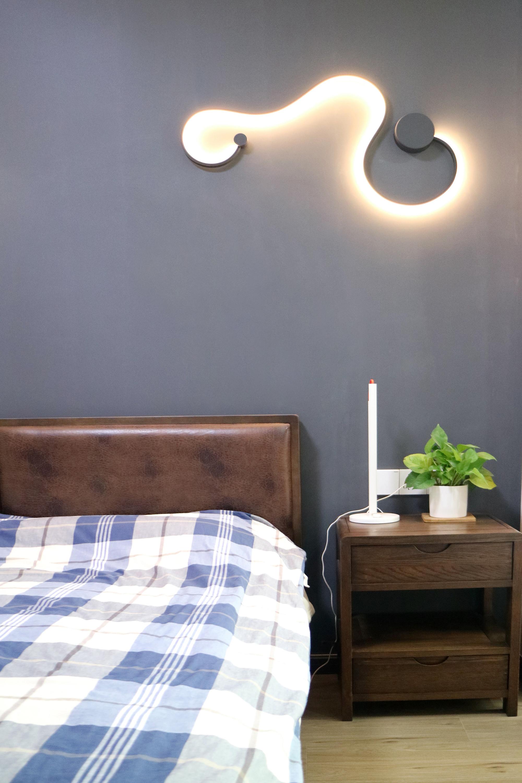 简约风格二居装修壁灯设计