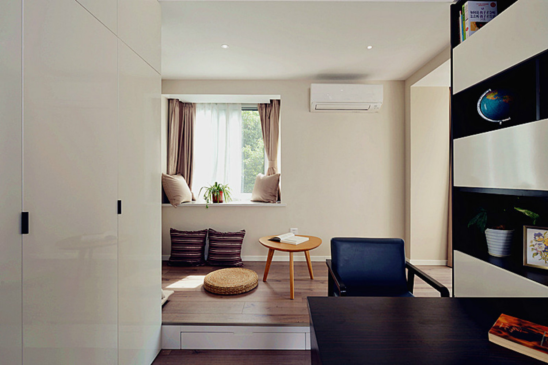 三居室简约风格家书房飘窗设计