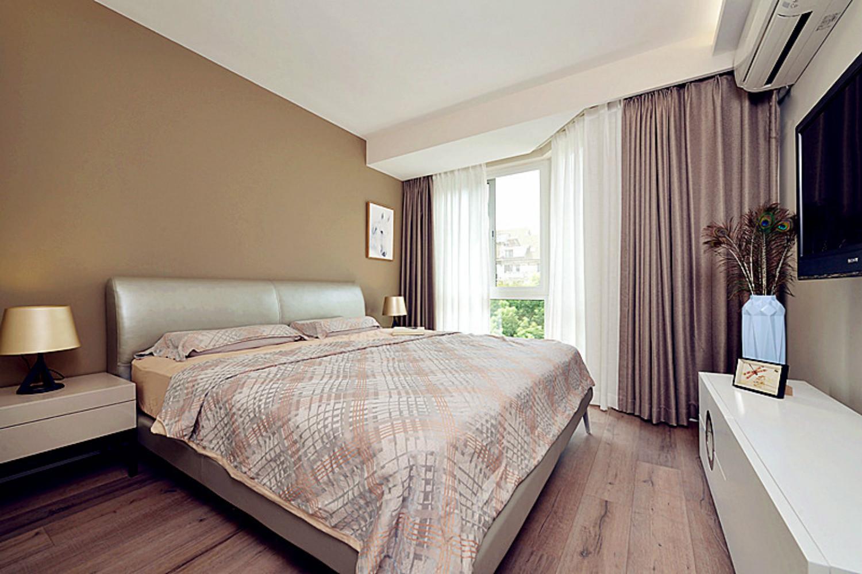 三居室简约风格家卧室设计图
