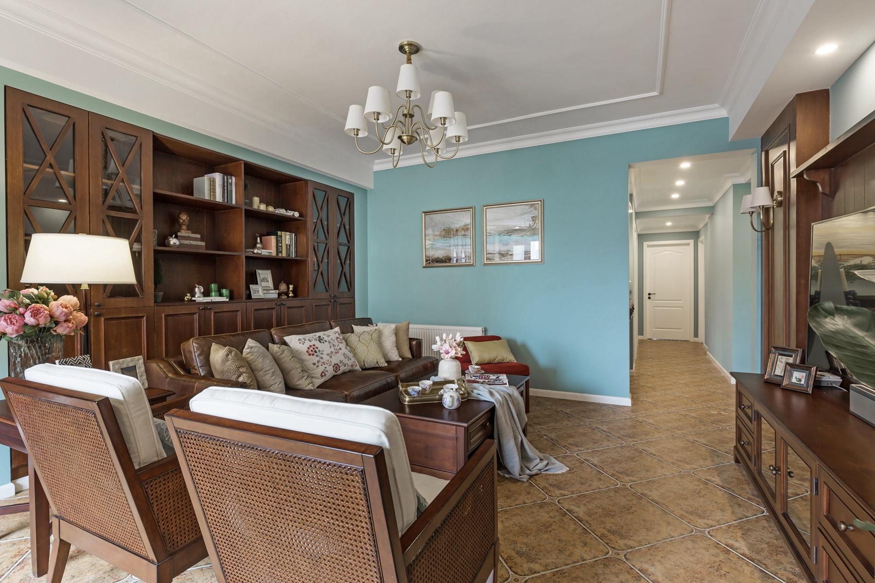 美式风格三居之家沙发墙设计
