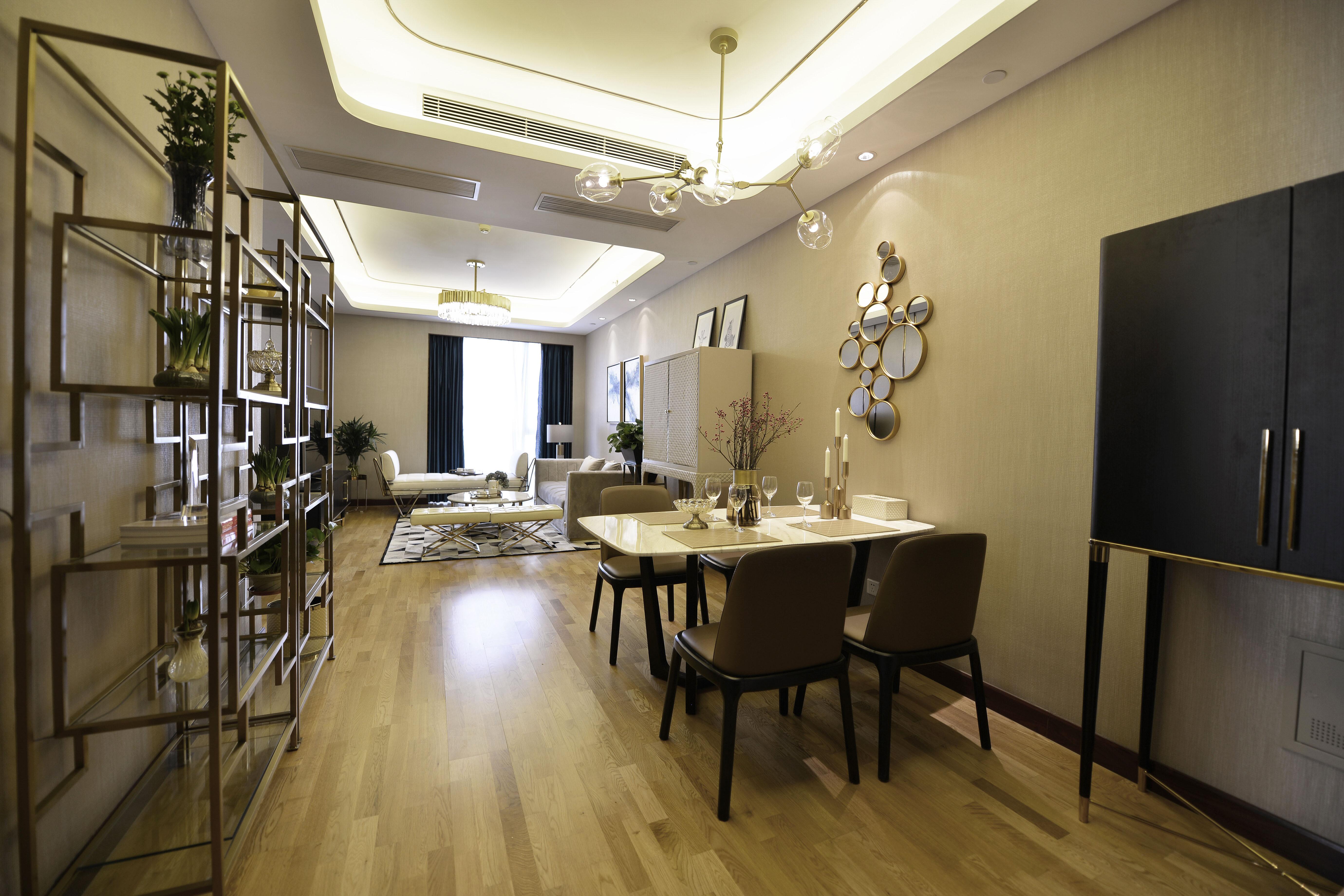 120平三居装修餐客厅全景图