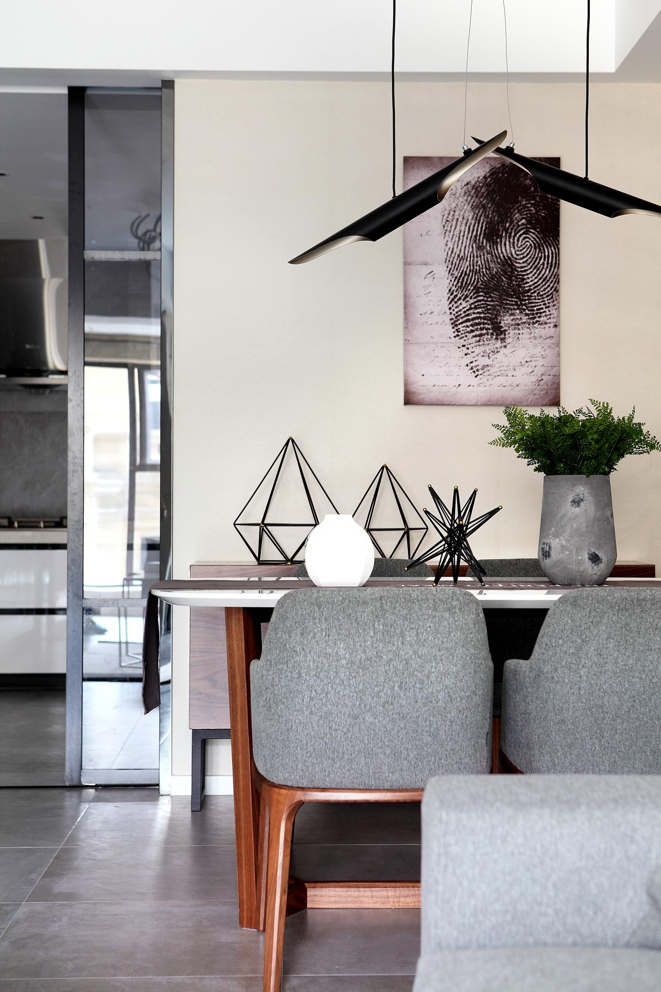 89平现代北欧风装修餐椅图片