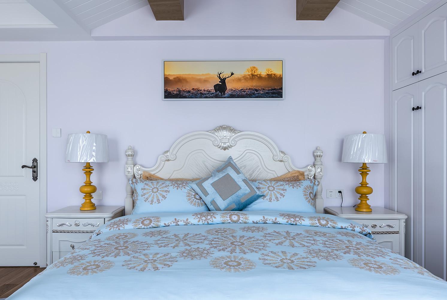 美式二居装修床头背景墙图片