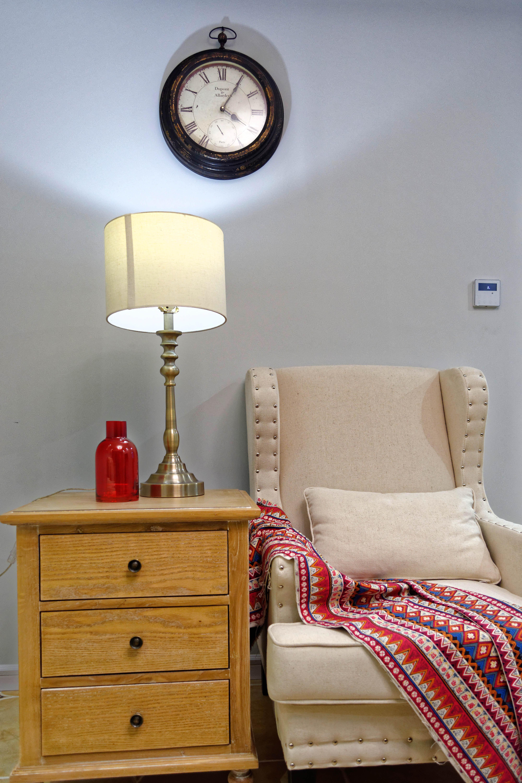 105平美式风格装修台灯图片