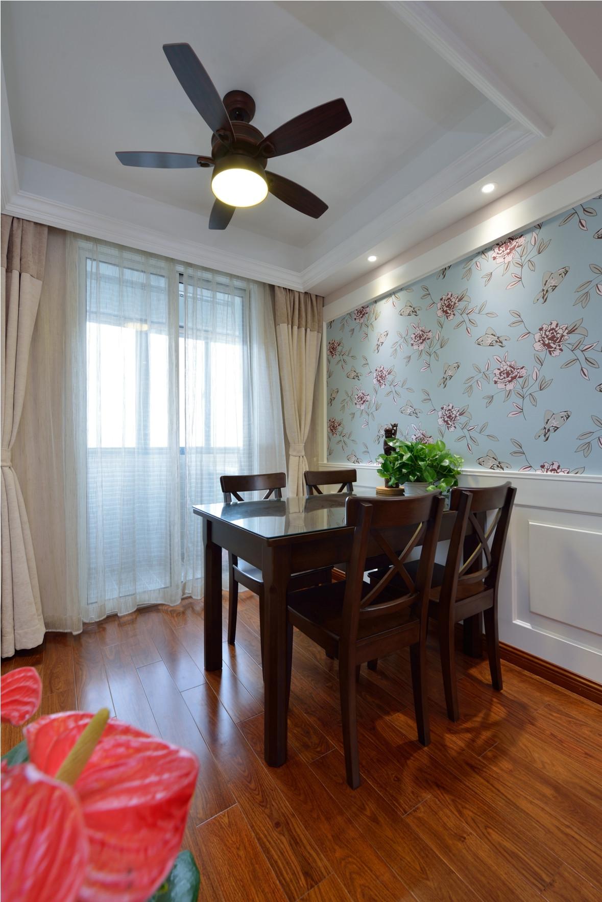 二居室美式之家餐厅吊顶图片