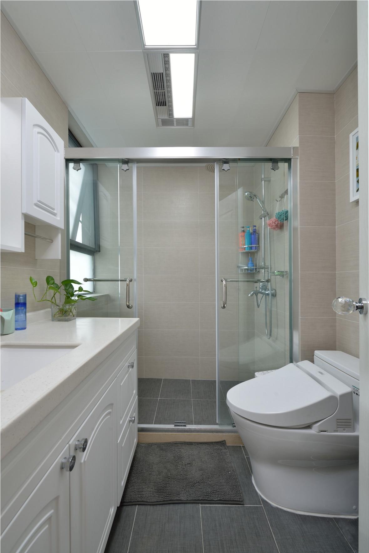二居室美式之家卫生间设计图