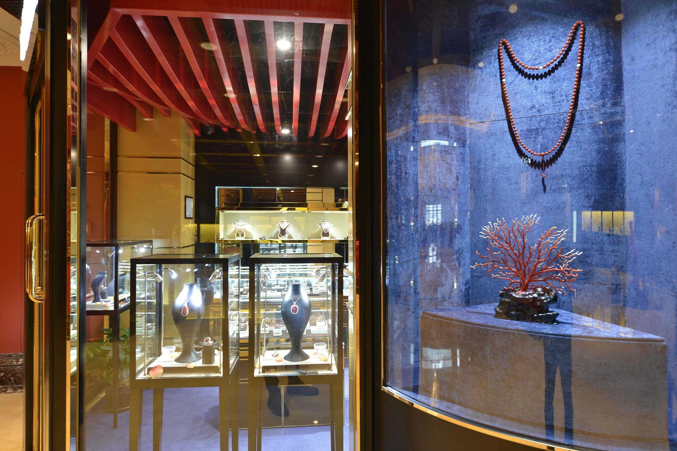 25平珠宝店装修橱窗图片