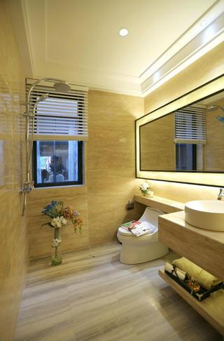 现代二居之家卫生间装潢图