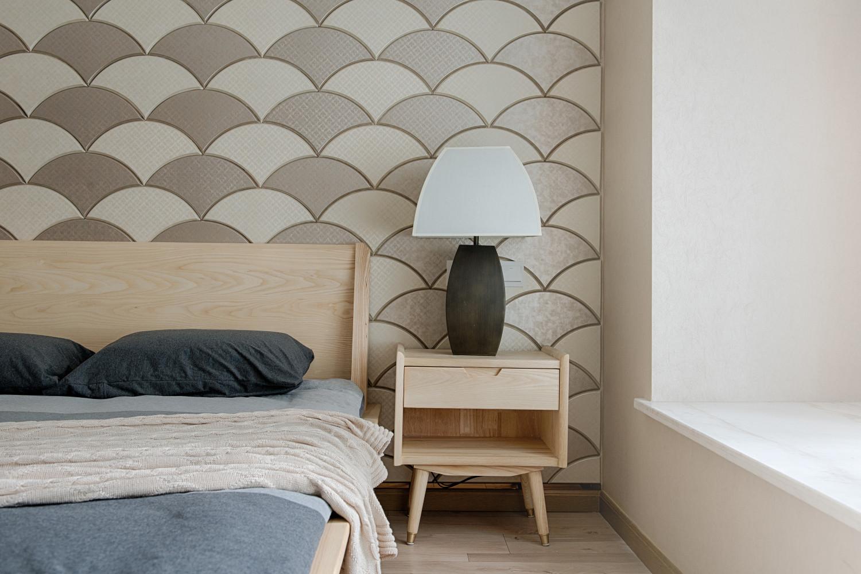 日式三居装修床头柜图片