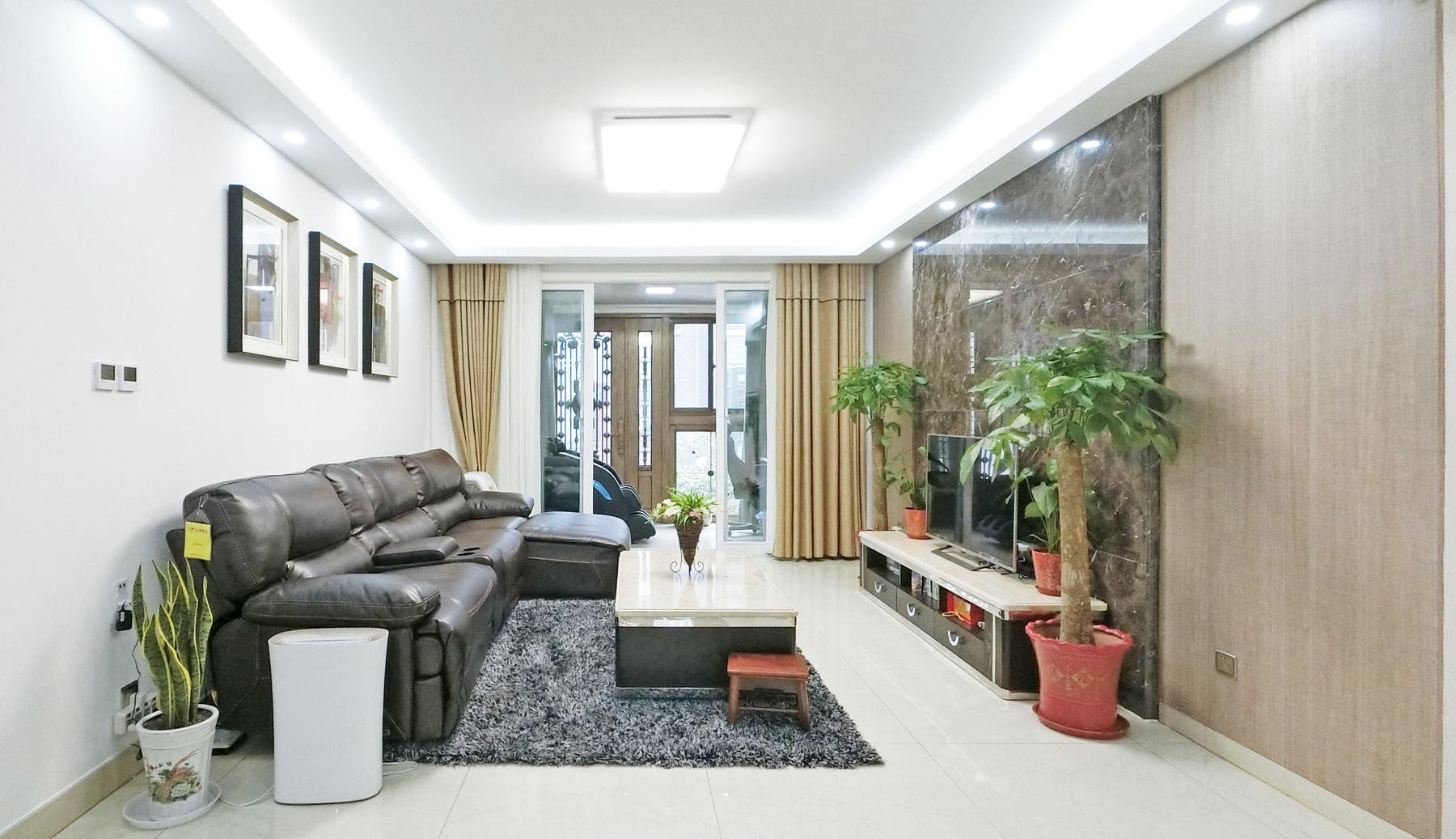 128平简约三居装修客厅设计图