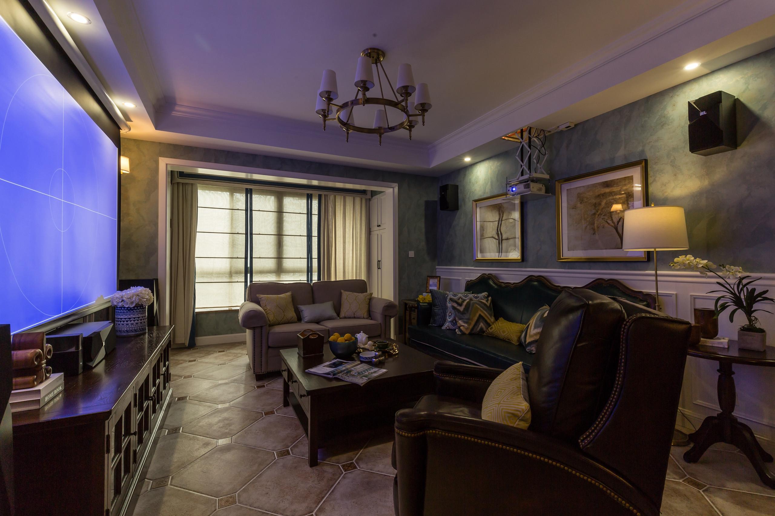 美式四居装修沙发墙图片
