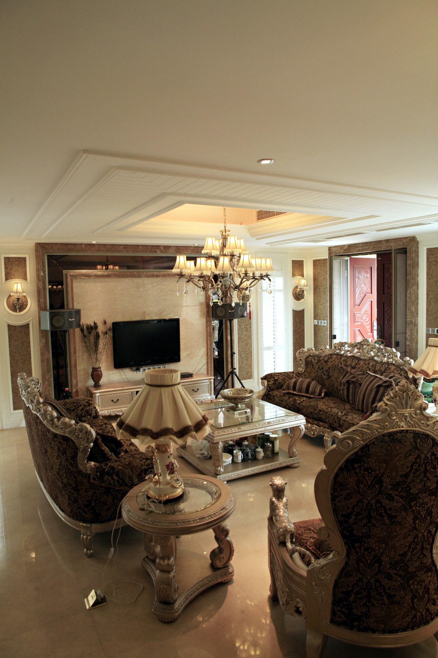欧式别墅装修客厅布置图