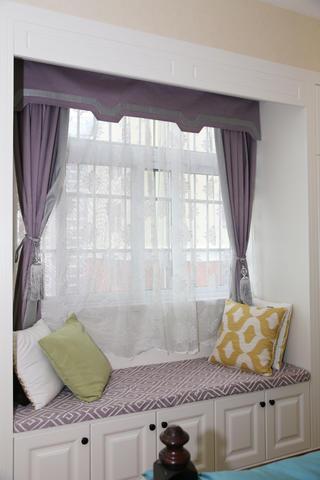 美式三居装修主卧飘窗设计