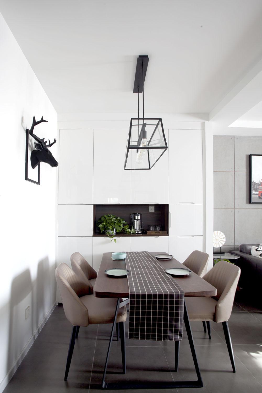70平简美二居装修餐厅设计图
