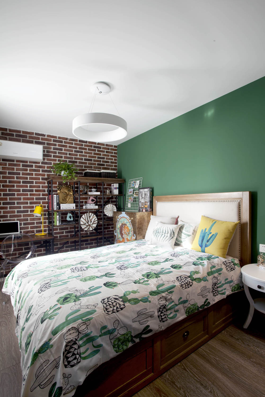 70平简美二居装修主卧设计图