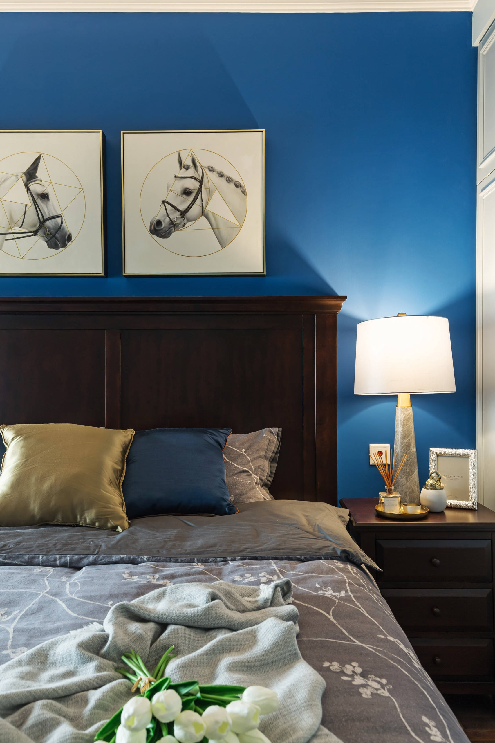 86平美式风格家卧室一角