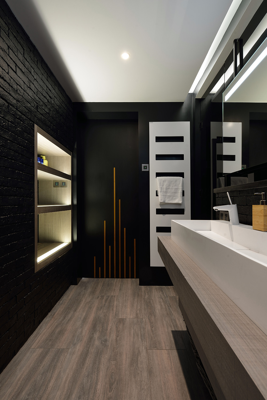 黑白极简装修卫生间效果图
