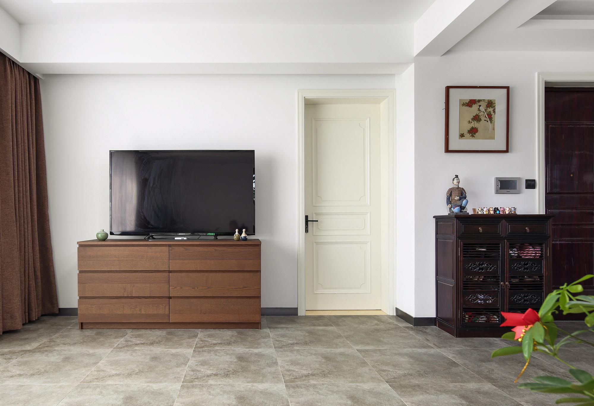 现代中式复式装修电视柜图片