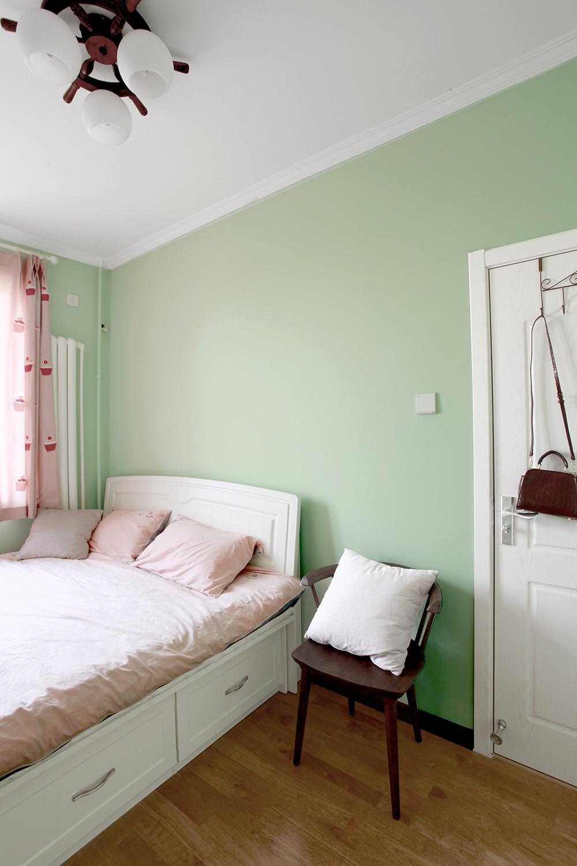 混搭二居室装修床头背景墙图片