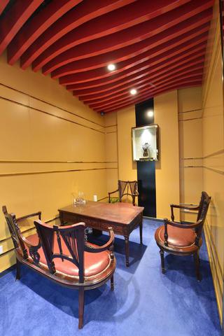 25平珠宝店装修背景墙设计