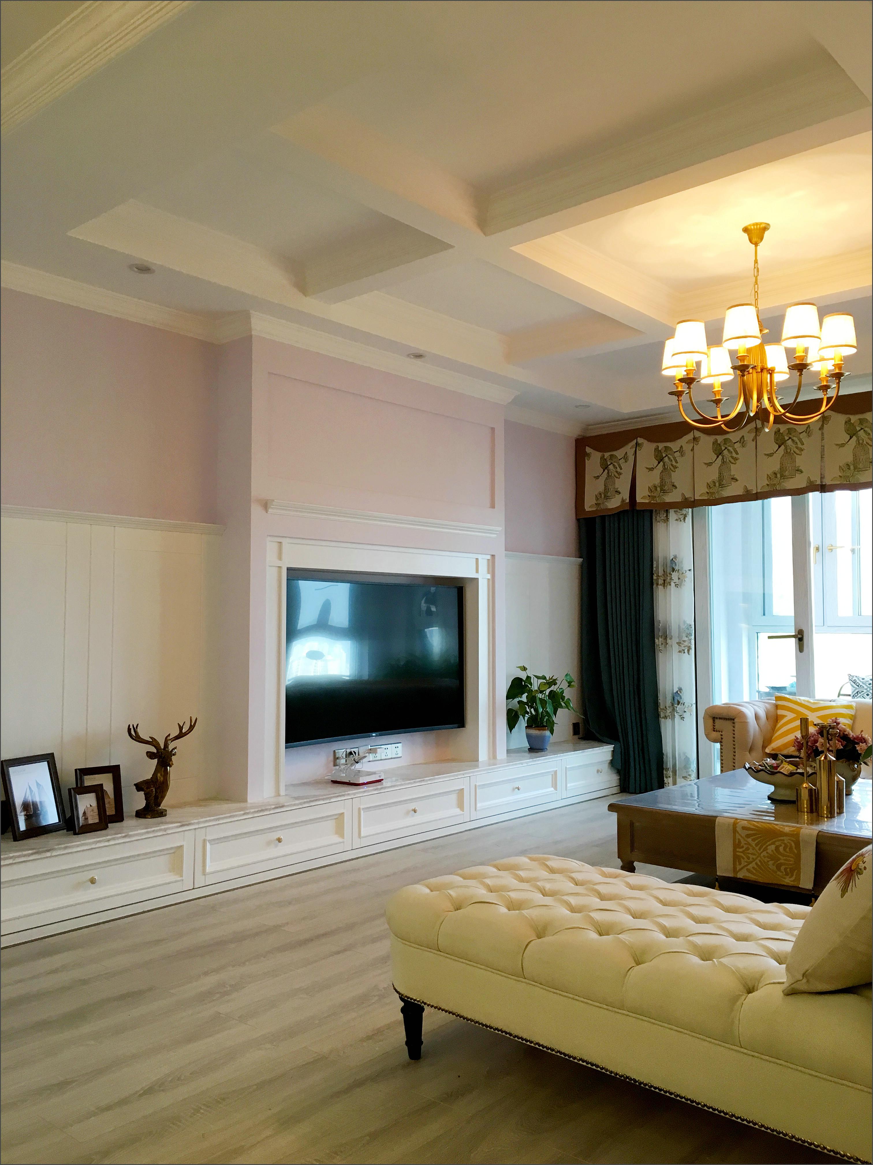 美式四居装修电视背景墙图片