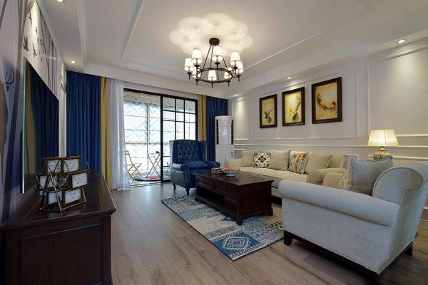 客厅墙面不用费心装饰,几个框型石膏线既可突出美式里的古典风韵.