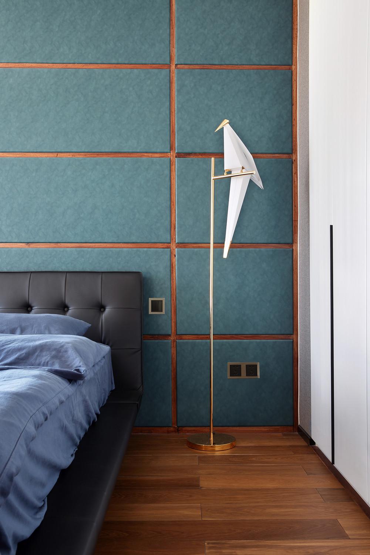 198平现代风格装修卧室一角
