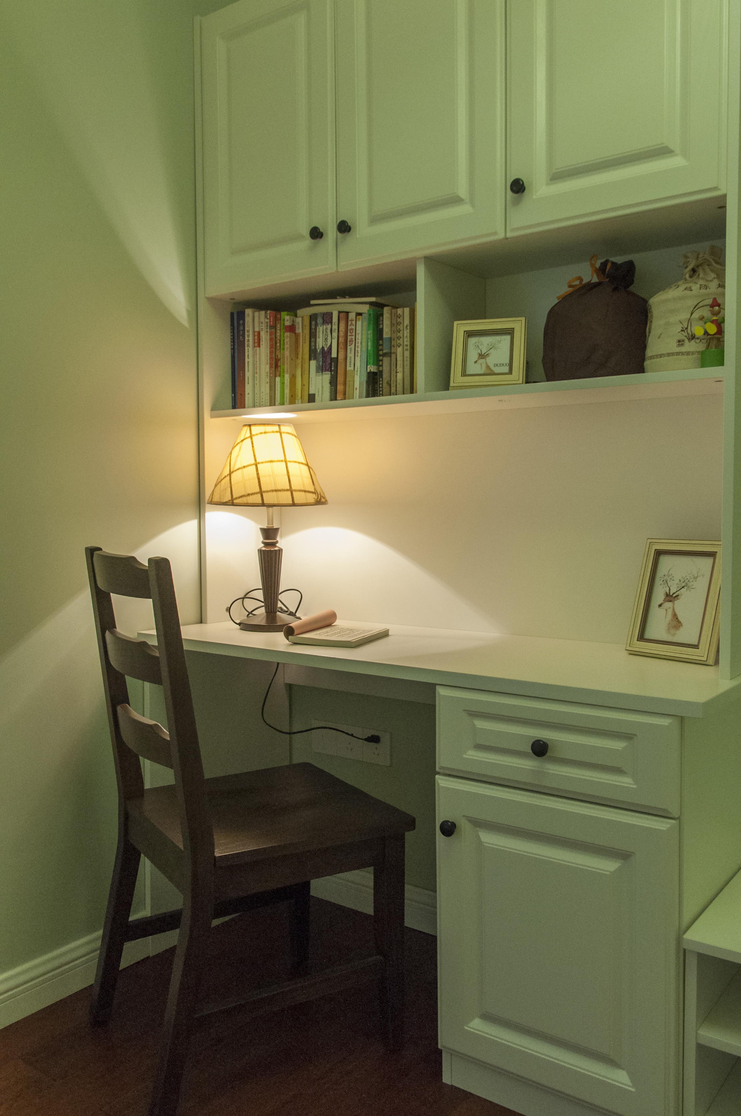 美式二居装修次卧工作区