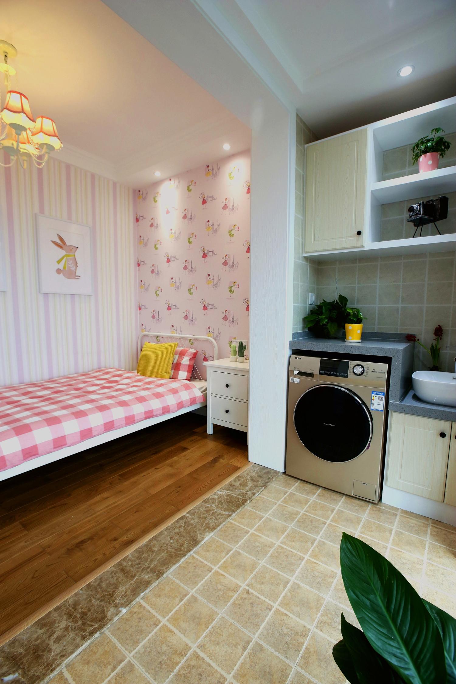 北欧三居装修阳台洗衣区