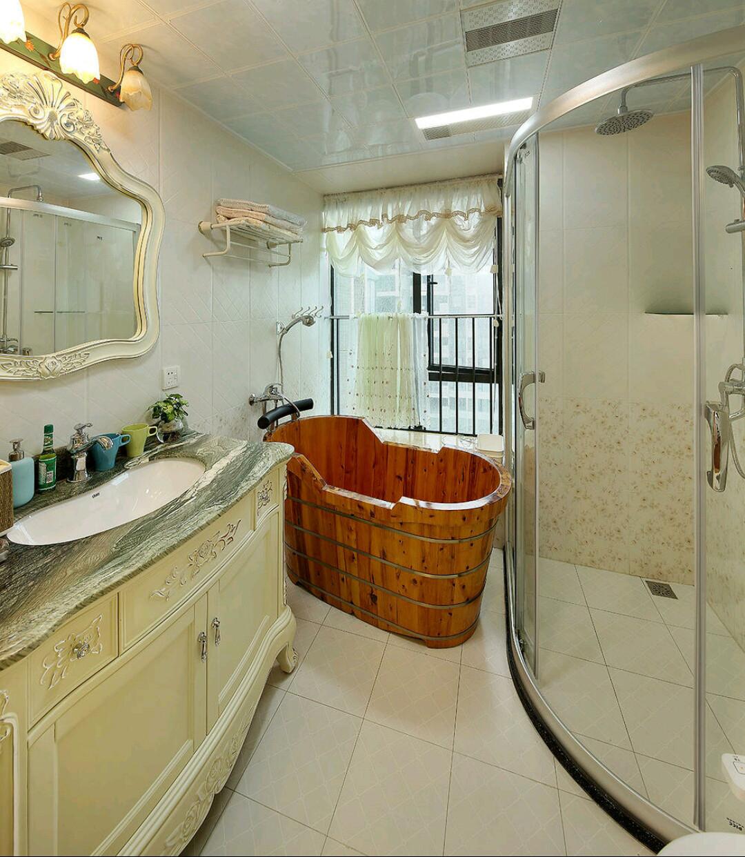 欧式风格三居装修卫生间设计图