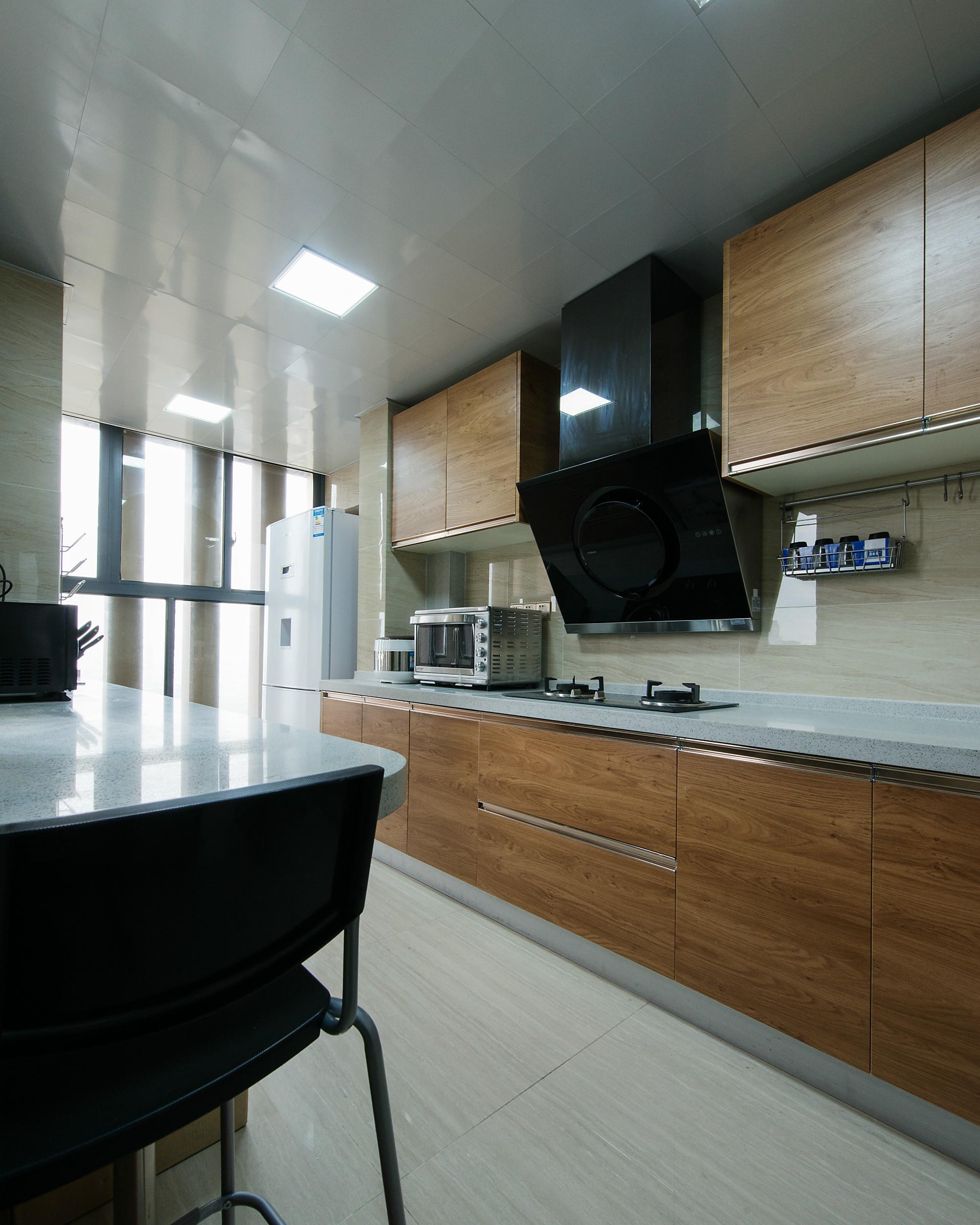 现代三居装修厨房实景图