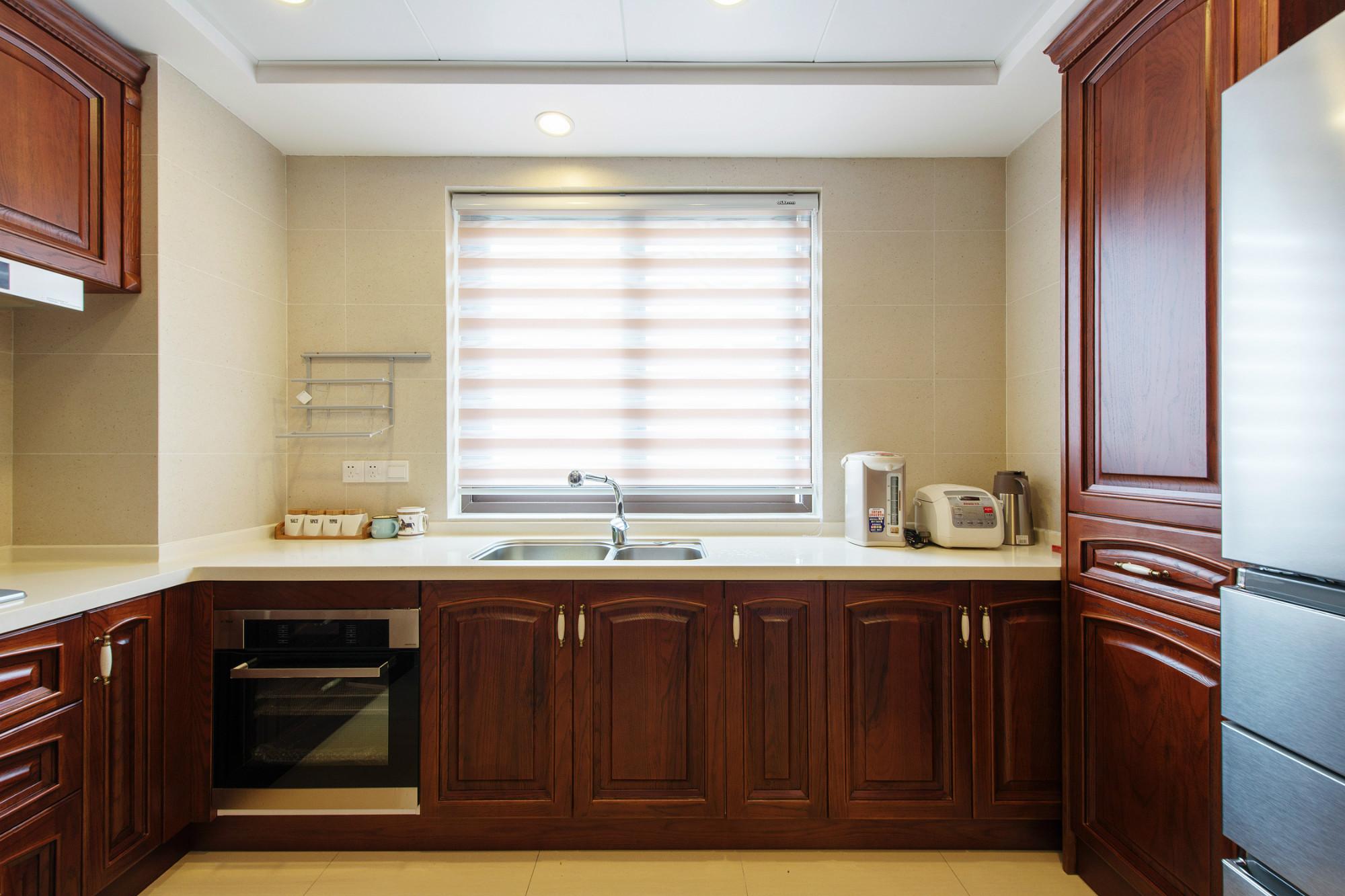欧式四房装修厨房效果图