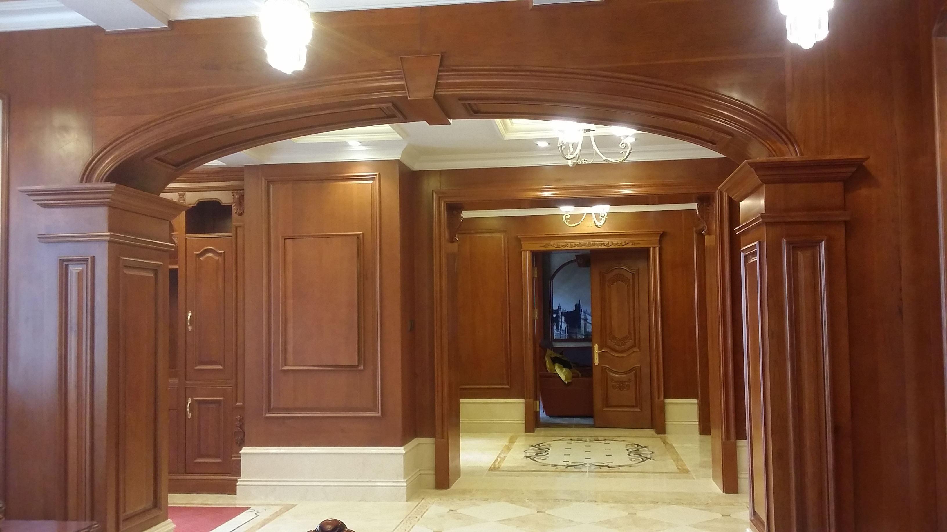 精美欧式新古典卧室阳台拱门隔断装饰