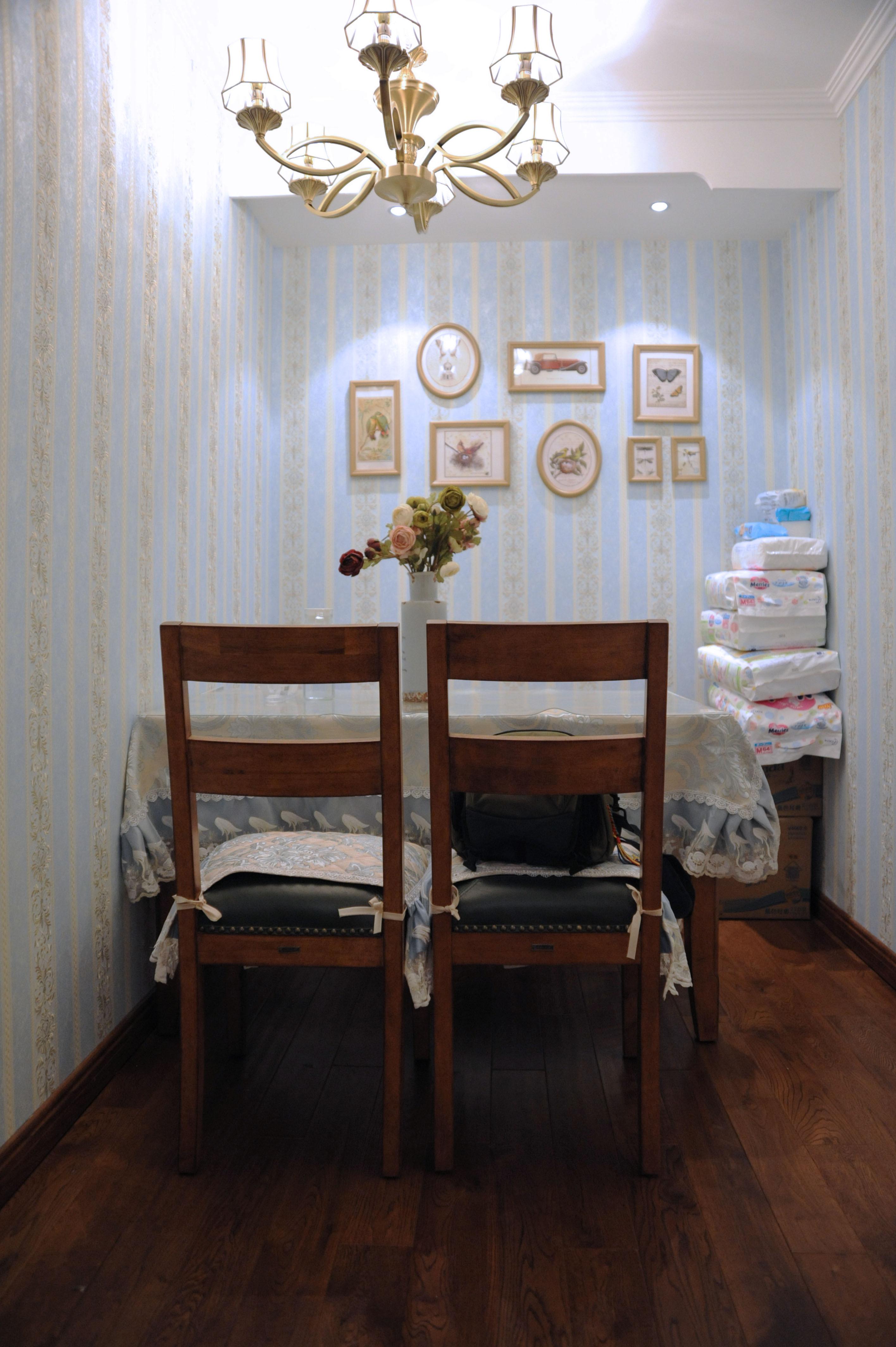 70平美式二居装修餐厅背景墙图片