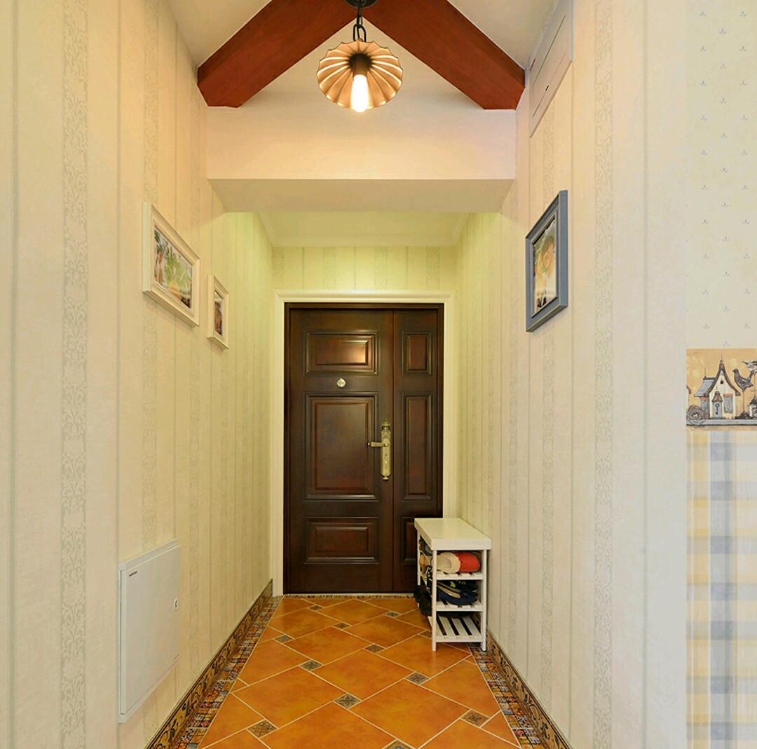 简欧二居装修入户走廊图片